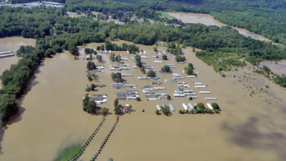 Homes filled with water in Central Tennessee as residents houses get destroyed